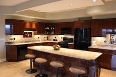 Beautiful light colored granite from a kitchen installation in Pittsburgh, PA.