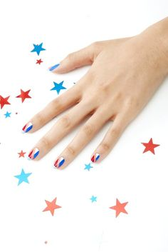 Celebrate the 4th of July in style with this patriotic nail art.