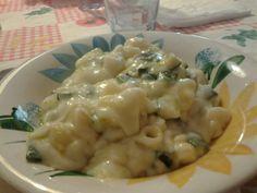 Pasta,+Zucchine+e+Fonduta+di+Grana+o+Parmigiano