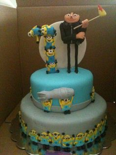 Despicable Me cake! Tons of Minions!