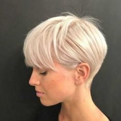 Blond Hairstyles, Short Blonde Haircuts, Short Hairstyles For Women, Blonde Short Hair Pixie, Bandana Hairstyles, Ladies Short Hairstyles, Thick Hair Pixie, Edgy Haircuts, Long Pixie