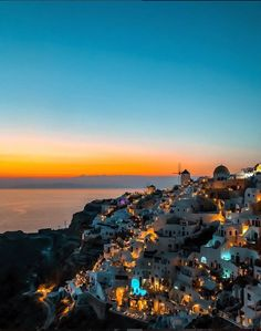 That Santorini sunset is not to be missed courtesy of – All Pictures Santorini Sunset, Santorini Travel, Madrid, Destinations, Greece Holiday, Bali, Travel And Leisure, Dream Vacations, Greece