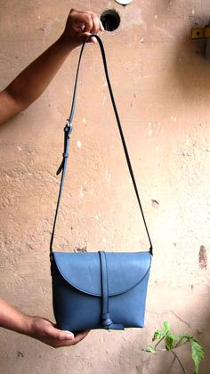 Ocean Little Stella, Chiaroscuro, India, Pure Leather, Handbag, Bag, Workshop Made, Leather, Bags, Handmade, Artisanal, Leather Work, Leather Workshop, Fashion, Women's Fashion, Women's Accessories, Accessories, Handcrafted, Made In India, Chiaroscuro Bags - 3