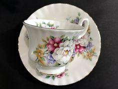 "Royal Albert Summertime Series Teacup ""Sherborne"", Bone China Tea Cup and Saucer -K"