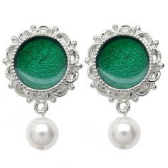 Tutorial - How to: Christmas Waltz Earrings in Green | Beadaholique