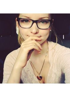 Dove Cameron Style Skinny Squared Clear Glasses   BleuDame.com