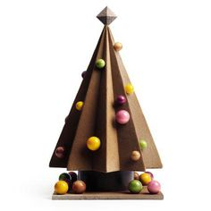 Marcolini Christmas 2014 collection: check out this delicious Santa Claus (and other amazing chocolate Holiday Season treats) Mousse Caramel, Cremeux Caramel, Chocolate Art, Chocolate Treats, Chocolates, Chocolate Christmas Gifts, Pierre Marcolini, Chocolate Sculptures, Chocolate Decorations