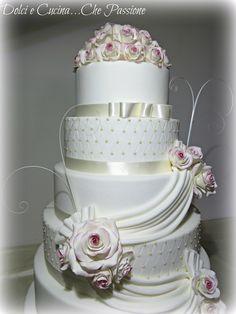 Torta Decorata in Pasta di Zucchero NUZIALE