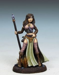 Overwatch - Female Mage with Staff - Elmore Masterworks - Miniature Lines