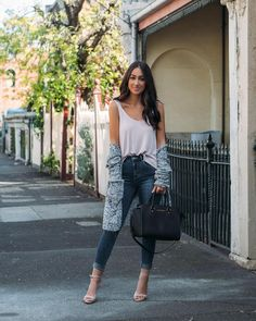 Light layers for Spring fashion