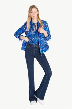 www.twinset.com ru-RU pukhvik-s-nbivnym-risunkm-p10908?s=S&c=20 Bell Bottoms, Bell Bottom Jeans, Pants, Fashion, Trouser Pants, Moda, Fashion Styles, Women's Pants, Women Pants