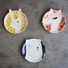 Platos. Línea animales del bosque. Cerámica pintada a mano.