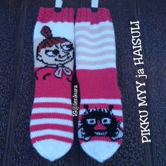 Join in the world of pin Knit Or Crochet, Lace Knitting, Knitting Socks, Knitting Patterns, Patterned Socks, Wool Socks, Slipper Boots, Moomin, Mittens