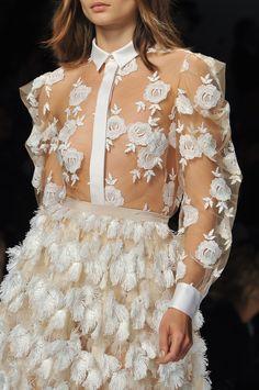 Blumarine at Milan Fashion Week Spring 2014 - Details Runway Photos Couture Fashion, Runway Fashion, Spring Fashion, High Fashion, Fashion Outfits, Milan Fashion, Fashion Fashion, Couture Details, Fashion Details