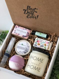 Birthday Gift Box for Her Early Christmas Present Anniversary Gift Set Shower Gift Spa Box Holiday G Gifts For Fiance, Sister Gifts, Gifts For Mom, Roommate Gifts, Teen Gifts, Gift Ideas For Daughter, Gifts In A Box, Good Gifts For Friends, Girl Gifts