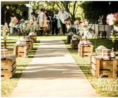 caixotes de feira na decoração de casamento