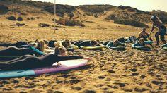 #warmup #surfers #surflesson #surfboard #beach #sandy #letsgo #happysummer #sun #warm #ocean #sea #canaryislands #surfsession #surfspot #planetsurf #planetsurfcamps