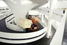 """Nessa semana a equipe IAC acompanhou a desmontagem de obras de Amilcar de Castro na """"30 × Bienal - Transformações na arte brasileira da 1ª à 30ª edição"""""""