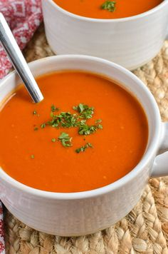 Slimming Eats - Syn Free Cream of Tomato Soup - gluten free, vegetarian, Slimming World and Weight Watchers friendly Slimming World Soup Recipes, Slimming World Dinners, Slimming World Diet, Slimming Eats, Tomato Soup Recipes, Fish Recipes, Recipies, Cream Of Tomato Soup, Cream Of Vegetable Soup