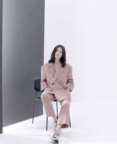 The latest Android apk Tweed Blazer Outfit, Blazer Outfits, Lorraine, Korean Celebrities, Celebs, Song Hye Kyo Style, Sassy Girl, Vogue Korea, Model Outfits