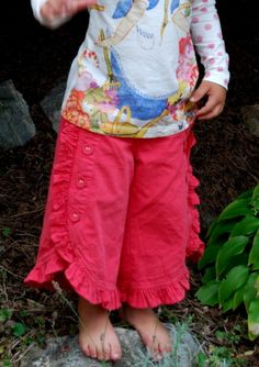 ruffled culottes for girls - I need someone to figure out how to make these for my little girl!