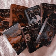Harry Potter Decor, Harry Potter Images, Harry Potter Hermione, Harry Potter World, Slytherin Aesthetic, Harry Potter Aesthetic, Book Aesthetic, Hp Book, Lexa Y Clarke