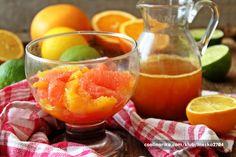 Naranča, mandarine, crveni grejp, limeta i limunA da vam se usta prejako ne stisnu, tu je i fini preljev s medom i kardamomom
