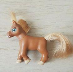 Chestnut magazine pony