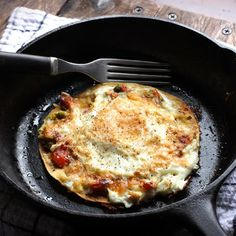 Open-Faced Fried Egg Quesadilla @keyingredient #cheese #tomatoes