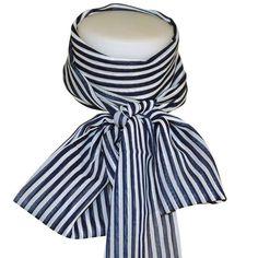 Grand foulard hotesse bleu CHAPEAU-TENDANCE Grand foulard hotesse bleu  Foulard 100% polyester . b96eccf919e