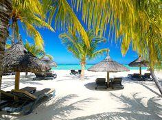Jouissez au paradis – à l'île Maurice, entouré par des plages magnifiques !  Avec cet offre vous passez à deux une semaine à l'hôtel 4 étoiles Hotel Veranda Pointe aux Biches. Le prix à partir de 3'399.- comprend la demi-pension, les deux vols ainsi que les transfers.  Réserve ici tes vacances de rêve: http://www.besoin-de-vacances.ch/semaine-de-vacances-a-lile-maurice-2-3399/