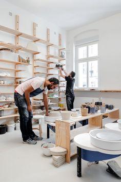 is a co-working space for ceramicists in Berlin Friedrichshain. Clay Studio, Studio Room, Studio Setup, Ceramic Studio, Art Studio Spaces, Pottery Workshop, Ceramic Workshop, Pottery Shop, Pottery Studio