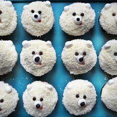 Ces vagues imitations de cupcakes ours blancs. | 18 gâteaux ratés qui vont vous…