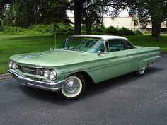 '60 Pontiac Bonneville Coupe