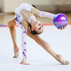 rhythmic #gymnastics #ball | Rythmic Gymnastics | Pinterest