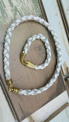 Pulsera y collar trenza de 4 blanco y oro