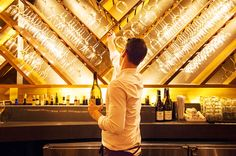 See Decanter.com's insider guide to the top New York wine bars, including the latest places to drink wine in New York City...