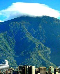 Para los amantes del Ávila Caracas, Venezuela How Beautiful, Beautiful Places, South America, Natural Beauty, Paradise, Urban, Country, Travel, Xmas