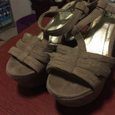 Price negotiable From bakers. Honestly I think I used like one time. They were in the closet and that's why you see that it is peeling in the part were the foot goes. Everything else is like new Bakers Shoes Platforms