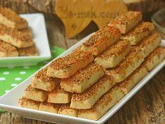 Lezzetine bayılacağınız, kıyır kıyır, uzunca bir sürede bayatlamayan nefis bir kurabiye tarifi...