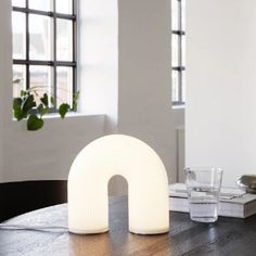 White Table Lamp, Light Table, Table Lamps, Lampe Decoration, Perriand, Luminaire Design, Dim Lighting, Diffused Light, White Fabrics