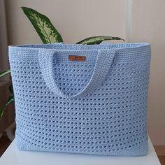596 Me gusta, 5 comentarios - 😍 Crochet Step by Step ( . Crochet Wallet, Free Crochet Bag, Crochet Diy, Crochet Tote, Crochet Handbags, Crochet Purses, Learn To Crochet, Crotchet Bags, Knitted Bags