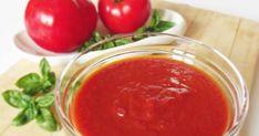 Ha paradicsombefőzésben gondolkodunk, az egyik lehetőségünk a ketchup készítése, amit később pizzához, sültekhez és még egy sor más éte... Ketchup, Spices, Pizza, Pudding, Ethnic Recipes, Desserts, Food, Butter, Red Peppers