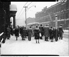 1961 - jan - King Street West near John Street during snow storm Toronto Snow, Toronto Ontario Canada, Black N White Images, Black And White, Grey Wallpaper Iphone, Snowy Day, Bus Stop, Life Is Like, Vintage Photographs