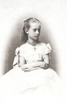 Princess Charlotte of Prussia as a child, born 1860.