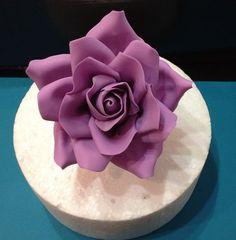 Large Rose Tutorial  http://cakesdecor.com/Cakeage/blog/321