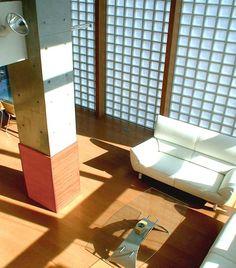 プライバシーが守られた光あふれる大広間に集う、団欒の家。|施工例のご紹介|ガラスブロックによる住宅施工例のご紹介|Glacia(グラシア)