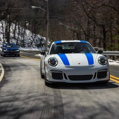 Porsche 911r (@fuxwithmichael)