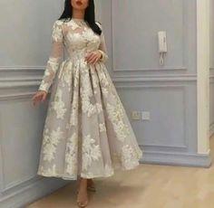 Hijab Evening Dress, Hijab Dress Party, Prom Dresses Long With Sleeves, Ball Dresses, Dresses Short, Chic Dress, Classy Dress, Elegant Dresses, Beautiful Dresses