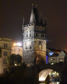This Architecture, this vary Architecture has taken my soul into another parallel World. .. Charles Bridge in Prague ❤️❤️❤️ .. #Traveller #Prague #CzechRepublic #EASTEurope #TravelDiaries #Travelblog #Europe #EuroTravel #InstaTravel #Instalike #Travelblogger #TravelPhotographer  #instadaily #Travelgram #Instatravel #Photographer #Blogger #Explorer #POTD #Photooftheday #Picoftheday #Followme #Followforfollow #WorldTour #Eurotrip #bestoftheday
